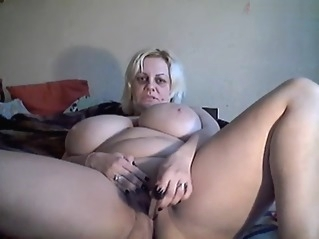amateur bbw big tits at UPORN